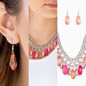 NWT PAPARAZZI Necklace/earring set